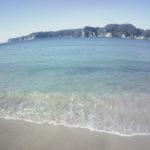 勝浦市 大人気の守谷海水浴場は、白い砂浜、透明度抜群の綺麗な海!